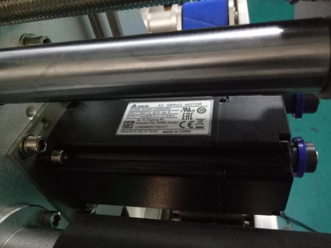 SUS304 Skåp Två sidor fyrkantig flaskdekal märkningsmaskin med produkter för personlig vård