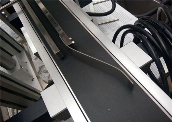 Automatisk toppmärkningsmaskin för flaska / burk / behållare
