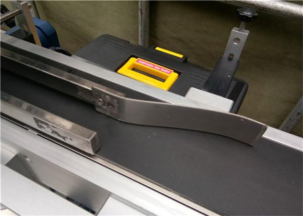 Helautomatisk toppmärkningsmaskin För etikettering av tomt kuvert av plast