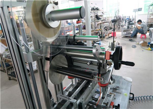Auto toppmärkning maskin platt yta etikett applikator med transportör / topp märkning utrustning